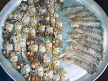 Crabs сырцовая свежая в рынке Стоковое Изображение