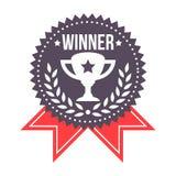 Crachá premiado do vencedor com ícone do troféu Imagens de Stock Royalty Free