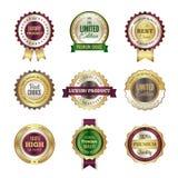 Crachás superiores luxuosos As melhores etiquetas da coroa dourada de alta qualidade e molde bem escolhidos do vetor do selo para ilustração stock