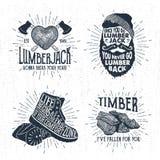 Crachás tirados mão ajustados com tronco de árvore, os machados cruzados, a cara farpada, as botas, e as ilustrações da madeira Fotografia de Stock