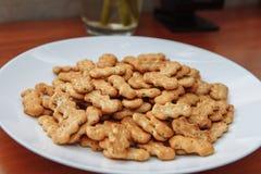 Cracker con i semi di papavero Immagine Stock