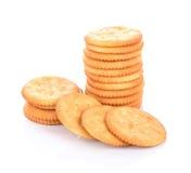 Crackerkoekje op witte achtergrond Stock Afbeeldingen
