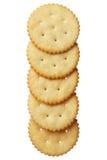 Crackers die op witte achtergrond worden geïsoleerd= Stock Afbeelding