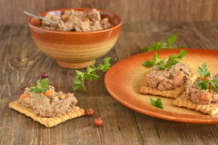 Crackers with сhicken liver pate Royalty Free Stock Photography