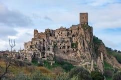 Craco, de spookstad dichtbij Matera, de stad van stenen Craco beroemd in de wereld voor wordt gebruikt in films en reclame stock foto's