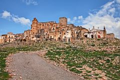 Craco, Matera, Базиликата, Италия: взгляд город-привидения Стоковая Фотография
