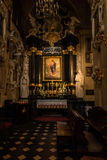 Cracovia, Polonia - 2 ottobre 2016 r Altare nella chiesa del Immagine Stock Libera da Diritti