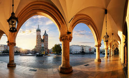 Cracovie au lever de soleil, Pologne Photos stock