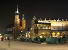 Cracovie par nuit Image libre de droits