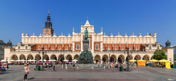 Cracow, pano Salão do Polônia (Sukiennice) - mercado principal Imagem de Stock