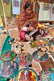 Craftswoman op het werk Stock Foto's