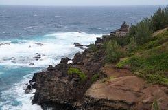Craggy Maui linia brzegowa blisko Papanalahoa punktu Zdjęcia Stock