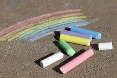 Craie colorée par arc-en-ciel peinte Photo libre de droits