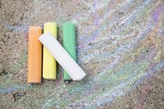 Craies colorées sur la rue Photographie stock