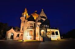 Craigdarroch slott på natten Royaltyfri Foto