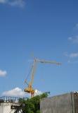 Crain在蓝天的建筑大厦 库存照片
