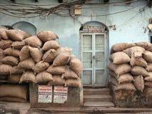Crainte du terrorisme, sacs de sable empilés dans Kolkata Photos stock