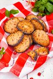 Cranberry ciastka na czerwonym w kratkę ręczniku zdjęcia stock