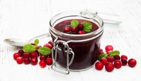 Cranberry dżem z świeżymi owoc zdjęcie royalty free