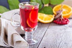 Cranberry pomarańczowy poncz z cynamonem Obrazy Stock