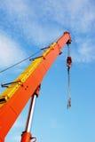 Crane ao céu Imagens de Stock Royalty Free