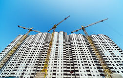 Crane and building Royalty Free Stock Image