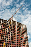 Crane developing new building Royalty Free Stock Images