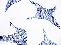 Crane gli uccelli che pilotano lo stile giapponese disegnato a mano di verniciatura dell'acquerello Immagini Stock