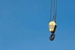Crane Hook com o céu azul Fotos de Stock