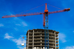 Crane and the house under construction Royalty Free Stock Photography