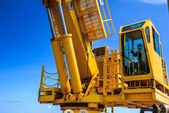 Crane lifting Royalty Free Stock Photos