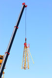 Crane. Lifting pieces of equipment Royalty Free Stock Photography