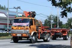 Crane Truck av provinsiell eletricitymyndighet av Thailands Arkivbilder