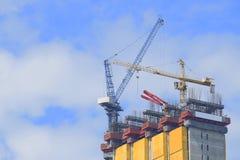 Cranes a construção industrial Foto de Stock Royalty Free