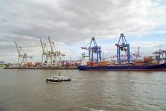 Cranes o porto de Hamburgo Fotos de Stock
