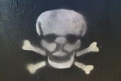 Cranio bianco su una priorità bassa nera Fotografie Stock
