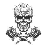 Cranio d'annata del padrone del tatuaggio in cappuccio royalty illustrazione gratis