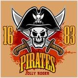 Cranio del pirata in black hat con le spade trasversali Immagine Stock Libera da Diritti