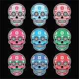 Cranio messicano dello zucchero con il modello nordico di inverno sul nero Immagini Stock