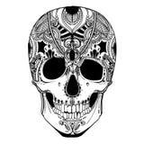 Cranio umano con gli elementi decorativi Fotografie Stock Libere da Diritti