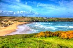 Crantock海滩北部康沃尔郡在Newquay附近的英国英国在五颜六色的HDR喜欢绘画 免版税库存照片