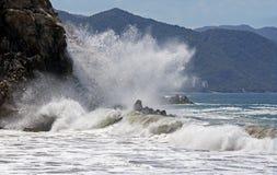 Free Crashing Waves 1 Stock Images - 42071614