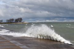 Crashing Waves At Belmont Harbor Royalty Free Stock Images