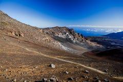 Cratère volcanique au parc national de Haleakala sur l'île de Maui, Hawaï photo stock