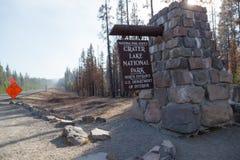 Crater湖入口标志 免版税图库摄影