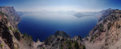 Crater湖全景 免版税图库摄影