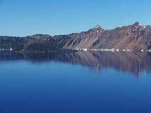 Crater湖反射 免版税库存照片