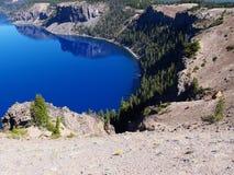 Crater湖小海湾 免版税库存图片