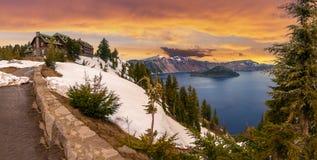 Crater湖美好的全景  免版税库存图片