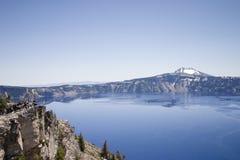 Crater湖Cliffside 图库摄影